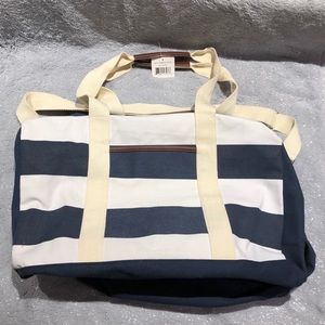 Other - NWT ~ Large Stripes Duffle Bag